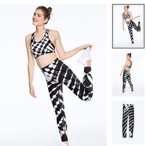 PINK high waist NWT seamless tight blk/wht -S